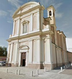 Facciata della chiesa parrocchiale di Poggio Rusco.