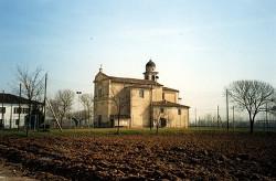 La parrocchiale di Vasto nelle campagne del comune di Goito.