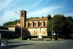 Torricella di Motteggiana. La chiesa parrocchiale dedicata a San Benedetto.